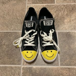 Converse All Star Low Chuck Taylor Smiley Face